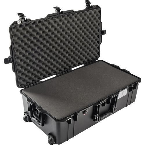 1615 Air Case Black w/Foam w/Retractable Handle & Wheels